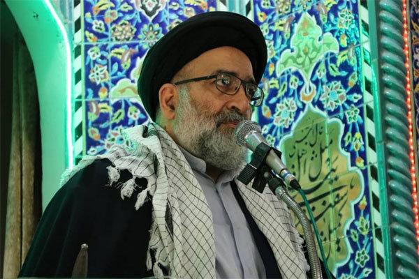 امام جمعه موقت ورامین: تشکل های انقلابی از بیانیه گام دوم حراست کنند